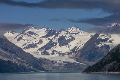 https://imgc.allpostersimages.com/img/posters/glacier-bay-alaska-usa_u-L-PN6ZZL0.jpg?p=0