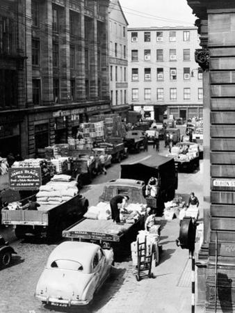 Glasgow Markets, Fruit Market Unloading, 1955