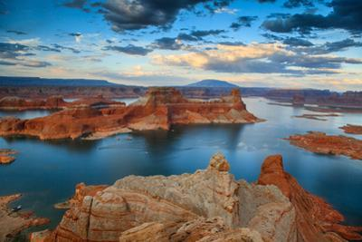 Lake Powell from Alstrom Point by Gleb Tarro