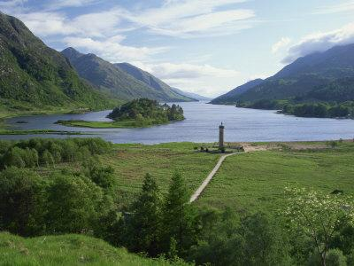 https://imgc.allpostersimages.com/img/posters/glenfinnan-monument-beside-loch-shiel-highlands-scotland-united-kingdom-europe_u-L-P7XIDO0.jpg?p=0