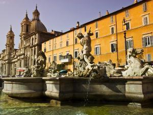Fontana Nettuno at Piazza Navona by Glenn Beanland