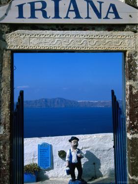 Iriana Cafe and Bar, Santorini, Greece by Glenn Beanland