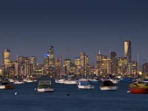 Melbourne Skyline from Williamstown by Glenn Beanland
