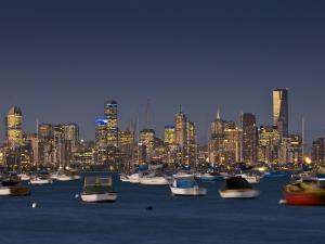 Melbourne Skyline from Williamstown by Glenn Beanland