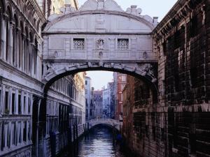 Ponte Dei Sospiri or The Bridge of Sighs, Venice, Italy by Glenn Beanland