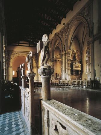 https://imgc.allpostersimages.com/img/posters/glimpse-of-aisle-malatesta-temple-rimini-emilia-romagna-italy_u-L-POPNK70.jpg?p=0