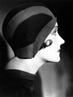 Gloria Swanson, 1930