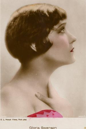 https://imgc.allpostersimages.com/img/posters/gloria-swanson-american-actress-and-film-star_u-L-PRB7AY0.jpg?artPerspective=n
