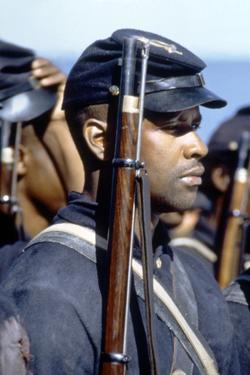 Glory (Pour la gloire) by EdwardZwick with Denzel Washington, 1989 (guerre by Secession) (photo)