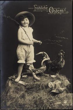 Glückwunsch Ostern, Kind Mit Hut, Ausgestopfter Hahn