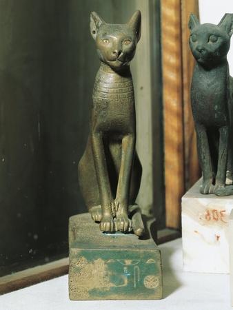 https://imgc.allpostersimages.com/img/posters/goddess-bastet-as-a-cat-from-saqqara_u-L-POPDWZ0.jpg?p=0