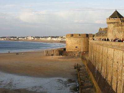 Saint-Malo City Wall, St. Malo, Ille-Et-Vilaine, Brittany, France, Europe