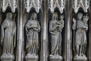 Statues in the University Church of St. Mary the Virgin, Oxford, Oxfordshire, England by Godong