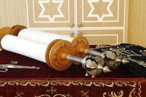 Torah scroll and the two Rimonim, France by Godong