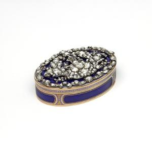 Gold and Enamel Snuffbox Set with Diamonds