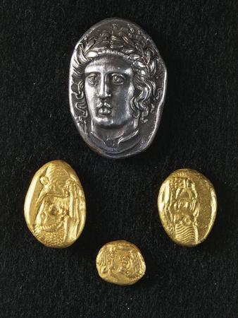https://imgc.allpostersimages.com/img/posters/gold-coins-of-croesus-king-of-lydia_u-L-PPBOD70.jpg?p=0