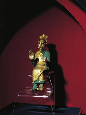 https://imgc.allpostersimages.com/img/posters/gold-statue-of-enthroned-god-el-from-ugarit-ras-shamra-syria_u-L-POPTY40.jpg?p=0