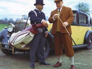 GOLDFINGER, 1964 directed by GUY HAMILTON Harold Sakata / Gert Frobe (photo)