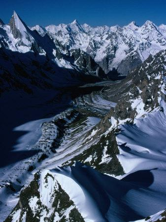 https://imgc.allpostersimages.com/img/posters/gondoro-glacier-from-gondoro-peak-in-karakoram-range-pakistan_u-L-P4FUG10.jpg?p=0