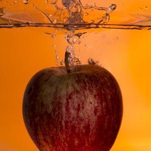 Apple Underwater by Gordon Semmens
