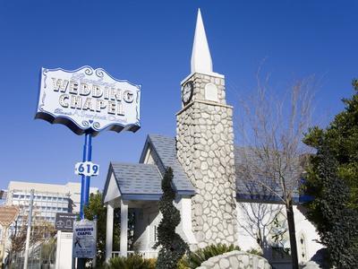 https://imgc.allpostersimages.com/img/posters/graceland-wedding-chapel-las-vegas-nevada-united-states-of-america-north-america_u-L-PFNF660.jpg?p=0