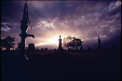 https://imgc.allpostersimages.com/img/posters/grafton-cemetery_u-L-Q10PCMD0.jpg?artPerspective=n