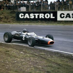 Graham Hill Racing a Brm P261, British Grand Prix, Brands Hatch, Kent, 1966