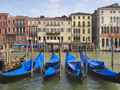 https://imgc.allpostersimages.com/img/posters/grand-canal-venice-unesco-world-heritage-site-veneto-italy-europe_u-L-PFNY3S0.jpg?p=0