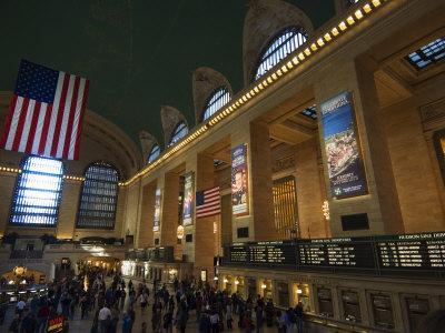https://imgc.allpostersimages.com/img/posters/grand-central-terminal-interior-manhattan-new-york-city-new-york-usa_u-L-P1KAI20.jpg?p=0
