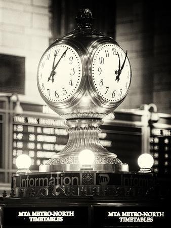 https://imgc.allpostersimages.com/img/posters/grand-central-terminal-s-four-sided-seth-thomas-clock-manhattan-new-york_u-L-PZ4N7H0.jpg?p=0