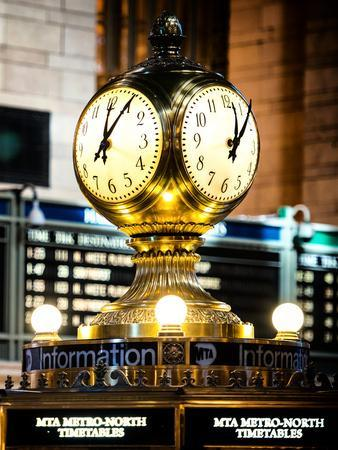 https://imgc.allpostersimages.com/img/posters/grand-central-terminal-s-four-sided-seth-thomas-clock-manhattan-new-york_u-L-PZ59E80.jpg?artPerspective=n