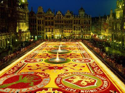 https://imgc.allpostersimages.com/img/posters/grand-place-floral-carpet-brussels-belgium_u-L-P363W80.jpg?p=0