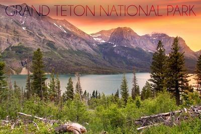 https://imgc.allpostersimages.com/img/posters/grand-teton-national-park-wyoming-lake-and-peaks-at-sunset_u-L-Q1GQN3M0.jpg?p=0