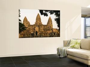 Angkor Wat by Grant Dixon
