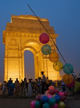 India Gate, Memorial to Indian Soldiers Who Fell in the Great War by Grant Dixon