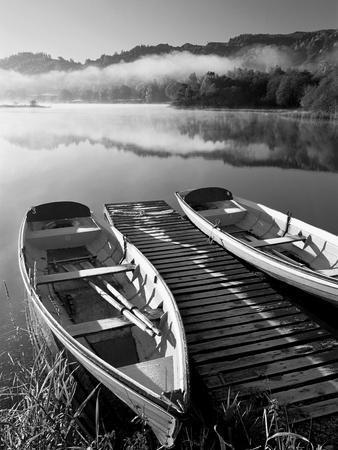 https://imgc.allpostersimages.com/img/posters/grasmere-lake-district-cumbria-england_u-L-PXMZPN0.jpg?p=0