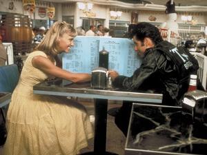 GREASE, 1978 directed by RANDAL KLEISER Olivia Newton-John and John Travolta (photo)