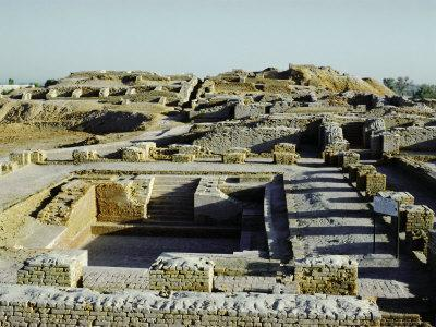 https://imgc.allpostersimages.com/img/posters/great-bath-of-the-citadel-from-south-indus-valley-civilization-mohenjodaro-sind-sindh_u-L-P1JWYK0.jpg?artPerspective=n