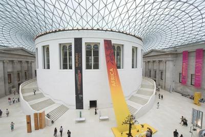 https://imgc.allpostersimages.com/img/posters/great-court-british-museum-london-england-united-kingdom_u-L-Q1HTBMD0.jpg?artPerspective=n