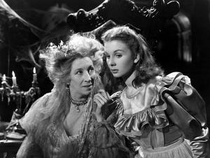 Great Expectations, Martita Hunt, Jean Simmons, 1946