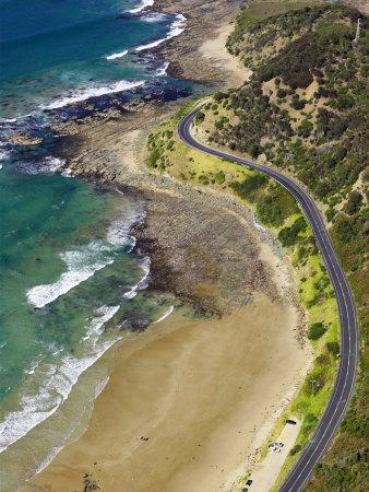 https://imgc.allpostersimages.com/img/posters/great-ocean-road-near-lorne-victoria-australia_u-L-P2T93E0.jpg?p=0