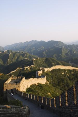 https://imgc.allpostersimages.com/img/posters/great-wall-of-china-at-badaling_u-L-PNGMLO0.jpg?p=0