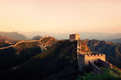 https://imgc.allpostersimages.com/img/posters/great-wall-of-china_u-L-Q104V8V0.jpg?artPerspective=n