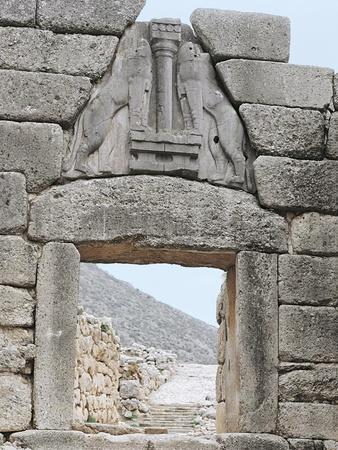 https://imgc.allpostersimages.com/img/posters/greece-peloponnese-archaeological-site-of-mycenae-lion-gate-13th-century-bc_u-L-POPWMJ0.jpg?artPerspective=n