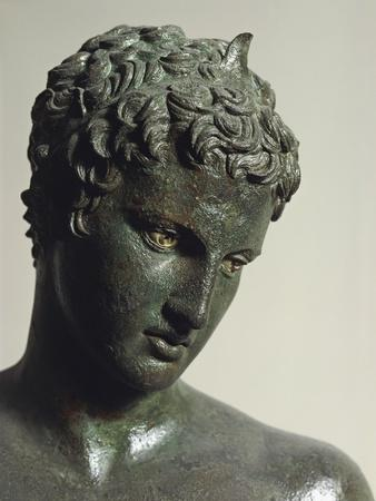 https://imgc.allpostersimages.com/img/posters/greek-civilization-bronze-statue-of-youth-from-marathon-greece-detail_u-L-POPVGJ0.jpg?p=0