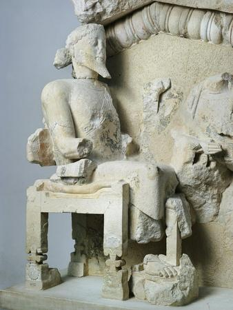 https://imgc.allpostersimages.com/img/posters/greek-civilization-olive-tree-pediment-relief-depicting-heracles-being-taken-to-olympus_u-L-POPV2A0.jpg?p=0
