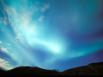 https://imgc.allpostersimages.com/img/posters/green-aurora-borealis-around-mt-snowden-brooks-range-alaska-usa_u-L-P42K4Z0.jpg?p=0