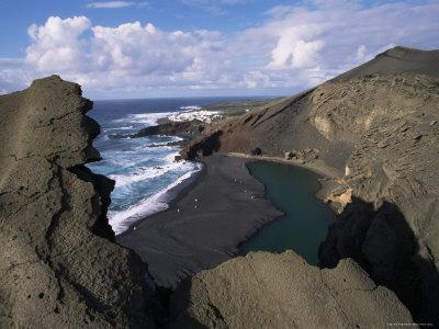 https://imgc.allpostersimages.com/img/posters/green-pool-lava-mountains-el-golfo-lanzarote-canary-islands-spain-atlantic_u-L-P1TQ8C0.jpg?p=0