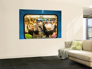 Peak Hour Commuters on Shanghai Metro, Line 2 by Greg Elms