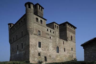 https://imgc.allpostersimages.com/img/posters/grinzane-cavour-castle_u-L-PPQDKR0.jpg?p=0